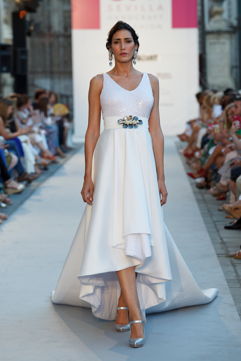 vestidos-novia-cortos-asimetrico-fiorentine • Patricia Bazarot